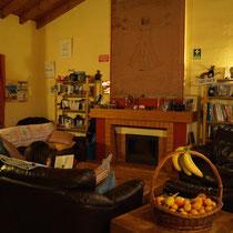 Das Wohnzimmer der Arrifana Surf Lodge