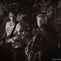 Basse : James Marceddu, Guitare : Jimy Drouillard - © O.B.S.