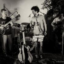 Guitare : Sylvain Luc, Vocals : Loaï, Basse : James Marceddu - © O.B.S.