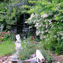 Landhaus Wildfeuer: Pavillon im Garten