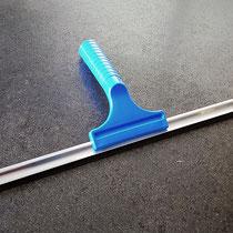 breiter Glasabzieher - Duschwischer mit extra weicher Lippe, mit Alu-Profilleiste, ca. 35 cm breit