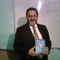 El cabalista Balsam presenta su libro