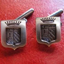 10/14 Gemelli scudo tutto ferro . Total iron shield cufflinks with coat of arms.