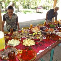 jolie table à laquelle nous serons invités, immense honneur!