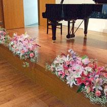 ¥15000(¥5000x3) 発表会ステージテーブル花(斜方向)