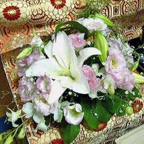¥10000(祭壇別) 個人宅ペット祭壇花(左画像拡大)