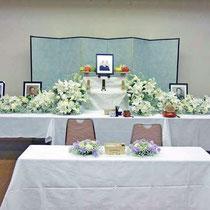 ¥40000(祭壇別) 葬儀会場祭壇花