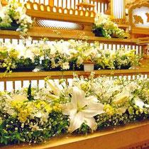 ¥50000(左画像拡大) 葬儀会場祭壇花