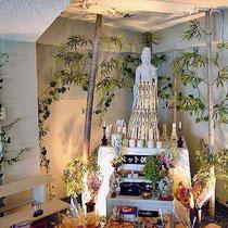 ¥25000(装花部分)  180×260x160 供養塔アートフラワー装花