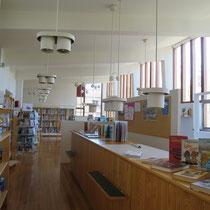 図書館 (木村 撮影)