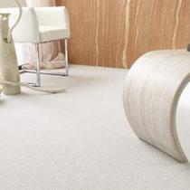 Teppich in strahlendem weiss