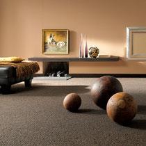 Teppich in sanftem Erdton