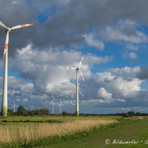 Windkrafträder in Jade-Windpark Wilhelmshaven