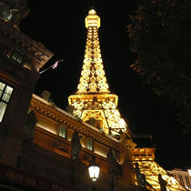"Hotel ""Paris""  Eiffelturm"