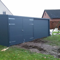 Belgie carport met aluminium achterwand + deur