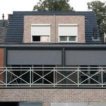 Geel Belgie veranda op dakterras met houtstructuur aluminium rabatdelen en screens