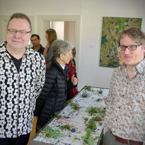 Paul Wesenberg (rechts) und Christoph Tannert, Leiter Künstlerhaus Bethanien, Berlin
