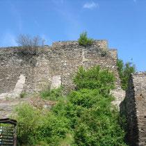 Mantelmauer des Bergfrieds