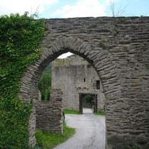 vom romanischen zum gotischen Tor