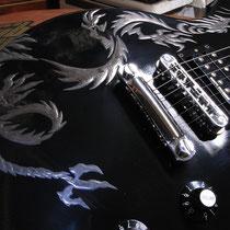 蒔絵のギター