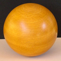Holzkugel, Holzdeko aus Bilinga -10 cm