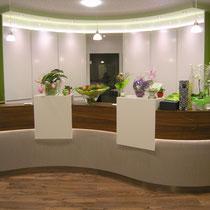 Entwurf Empfangstheke Ute Heyden Corean, Holzdekor, Farbe Einbauschränke