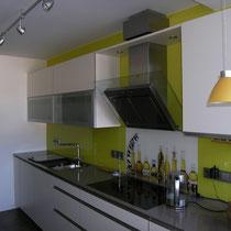 Ansicht Küchenzeile mit Motiv Glasscheibe