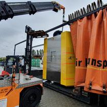 Schwabenheim: Verladung in den Schwerlasttransporter