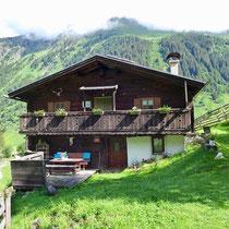 Die Mucheler Kaser im Valsertal liegt an einem sonnigen Plätzchen.