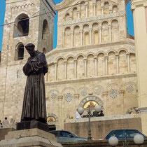 Кальяри. Кастелло. Собор Св. Марии