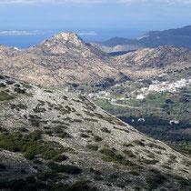 Blick auf den Burgberg von Apano