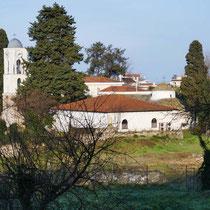 Blick zur Kirche  Agios Nikolaos