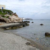 Am Strand in Mandrakia