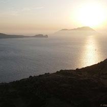 Blick auf Antimilos und Kap Vani