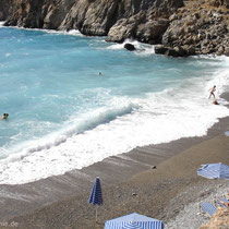 Kreta: Wellen am Vrissi-Strand