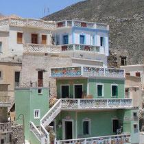 Karpathos: Das bemalte Haus mit der Galerie