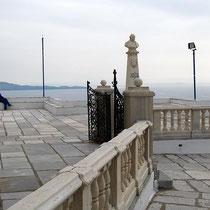 Aussichtsterrasse an der Kirche Agia Paraskevi
