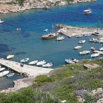 ... und die Bucht von Agios Minas