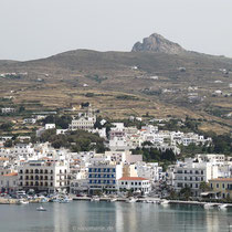 Tinos-Stadt von unten....