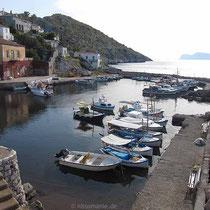 Der Hafen von Kamini