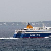 Da fährt die Blue Star Naxos weiter nach Paros