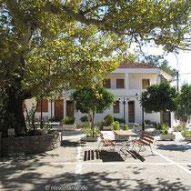 im Hof von Agia Markella