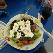 Salat mit Kapernblättern