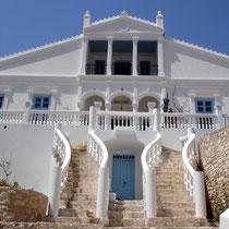 Chalki: Das Rathaus von Emborio