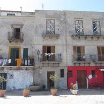Häuserfassade an der Marina