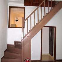 Die Treppe in den 2. Stock