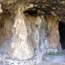 Eingang der großen Höhle