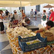 Auf dem Markt in Potamos