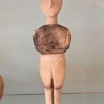 War früher schon manchmal kalt auf den Kykladen: frierendes Idol