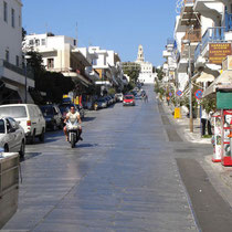 Tinos: Die Wallfahrtsstraße, noch leer